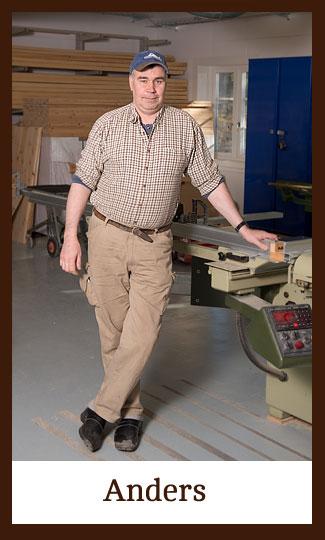 Anders Jonsson i verkstaden på Snickeri Tallkotten