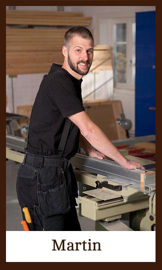 Martin i verkstaden på Snickeri Tallkotten