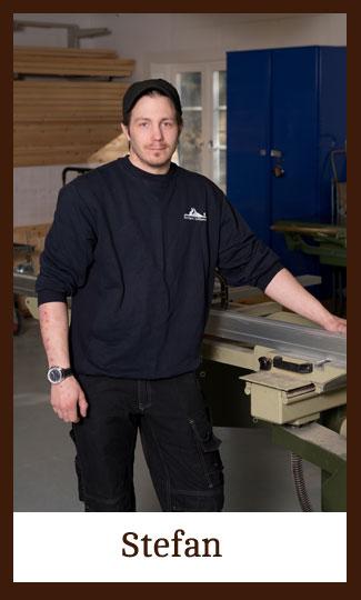 Stefan i verkstaden på Snickeri Tallkotten