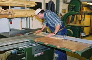 STEG 4). Tillverkning Din beställda produkt går nu till tillverkning. I egna lokaler i Bollnäs sker tillverkningen.