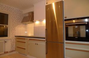 Platsbyggt kök i funkisstil, från inredningssnickeri