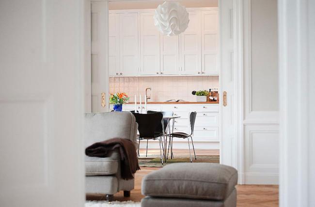 Köksinredning anpassad till stor äldre Lägenhet.